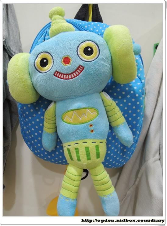 可爱的机器人娃娃