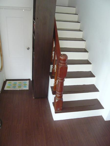 山寨版的木地板室内楼梯diy